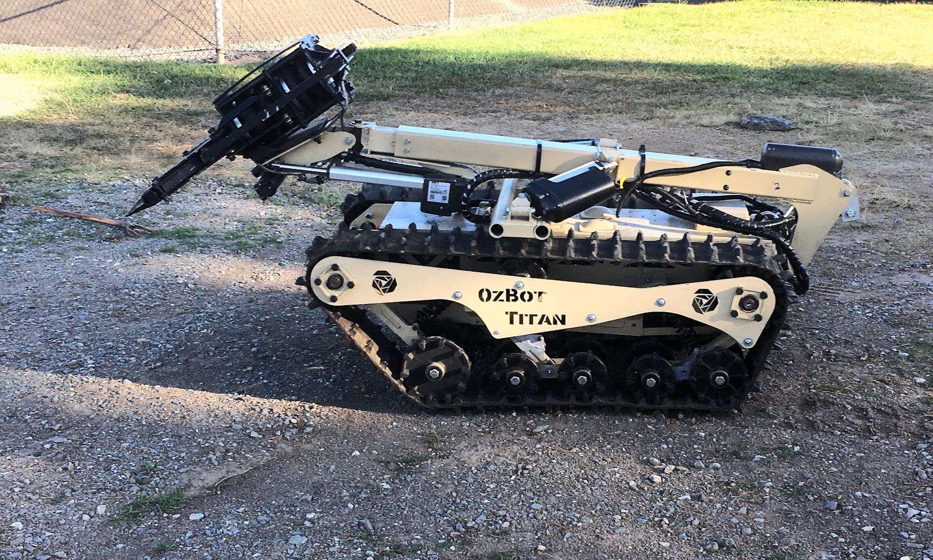 Ozbot Titan: the lifesaving police robot